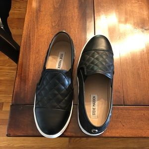 Steve Madden Shoe - like new!